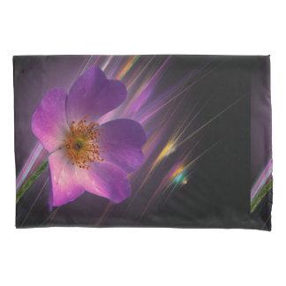 花の多彩なデザインのバラの紫色の幾何学的 枕カバー