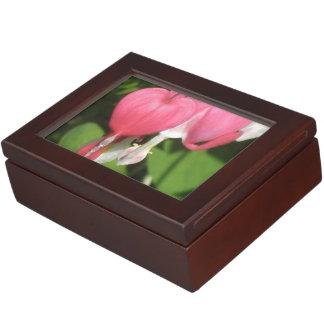 花の大げさに同情する人の記念品のギフト用の箱 ジュエリーボックス