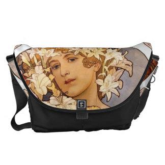 花の女性 メッセンジャーバッグ