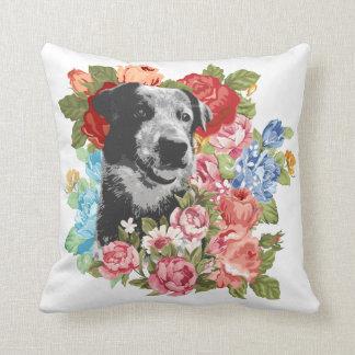 花の子犬の装飾用クッション クッション