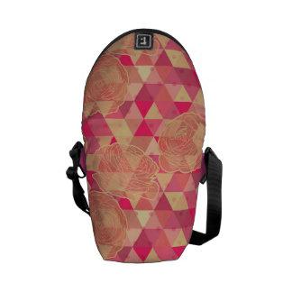 花の幾何学的なパターン メッセンジャーバッグ