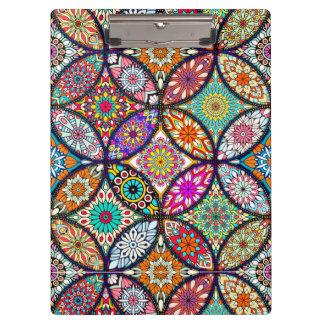 花の曼荼羅のクリエイティブは芸術パターンを一周します クリップボード