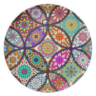 花の曼荼羅のクリエイティブは芸術パターンを一周します プレート