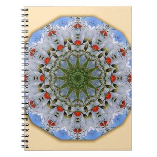 花の曼荼羅スタイル、赤いケシ ノートブック