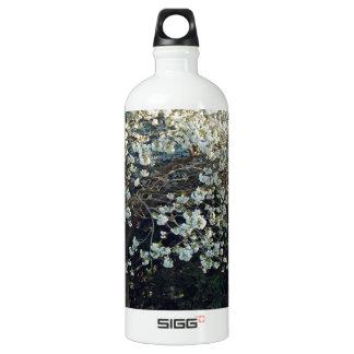 花の枝木公園の春の花の森林 ウォーターボトル