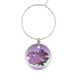 花の紫色のゼラニウムの庭の花のワインチャーム ワインチャーム