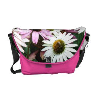 花の花の庭は写真撮影活気付きます メッセンジャーバッグ
