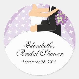 花の花嫁の新郎のブライダルシャワーのステッカーの紫色 ラウンドシール