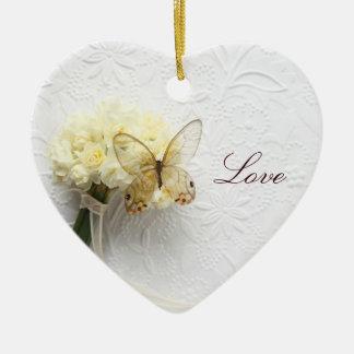 花の花束のハートのオーナメントの蝶 セラミックオーナメント