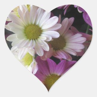 花の花束の蝶庭: エレガントなギフト ハートシール