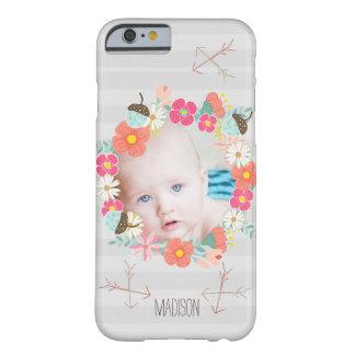 花の花輪のドングリの矢の新生児の写真 BARELY THERE iPhone 6 ケース