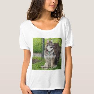 花の連続したオオカミ Tシャツ
