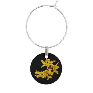 花の黄色いレンギョウの庭の花のワインチャーム ワインチャーム