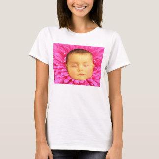 花のTシャツの睡眠のベビー Tシャツ