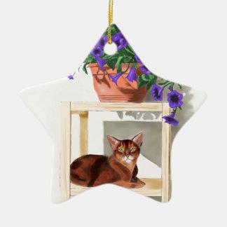 花を持つアビシニア猫 陶器製星型オーナメント