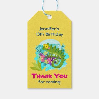 花を持つ緑の熱帯トカゲは感謝していしています ギフトタグ