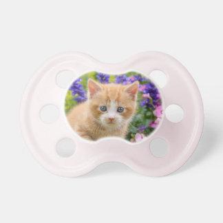 花ペットのかわいく柔らかいショウガのベビー猫の子ネコ おしゃぶり