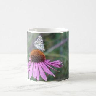 花及び蝶 コーヒーマグカップ