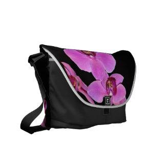 花園の花の写真 メッセンジャーバッグ