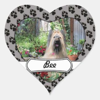 花園のBriard犬 ハート形シールステッカー