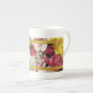花柄の専門のマグ ボーンチャイナカップ