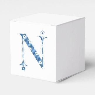 花模様の手紙N (青い) フェイバーボックス