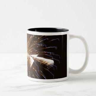 花火はSavannah川2に表示します ツートーンマグカップ
