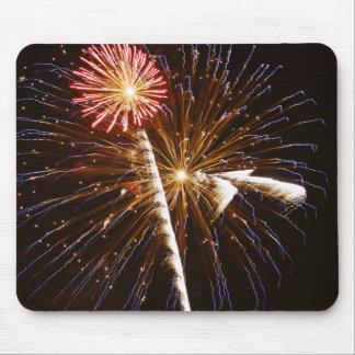 花火はSavannah川2に表示します マウスパッド