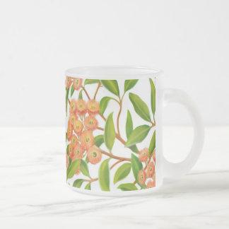 花盛りのゴムの木のマグ フロストグラスマグカップ