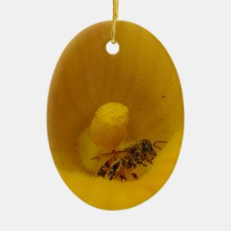 花粉で覆われる蜂 セラミックオーナメント