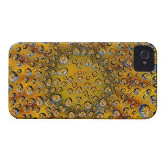花、三日月形都市の結露の反射、 Case-Mate iPhone 4 ケース