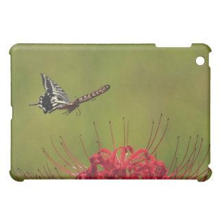 花、千葉の近くで飛んでいるアゲハチョウの蝶 iPad MINI カバー