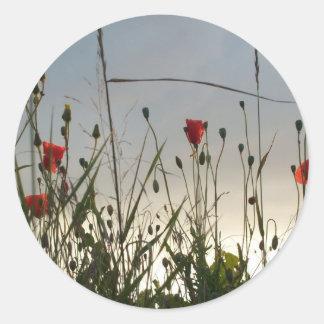花- 4匹の赤いケシ ラウンドシール