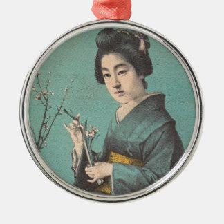 芸者の日本人の女性のクラシックなヴィンテージのポートレート メタルオーナメント