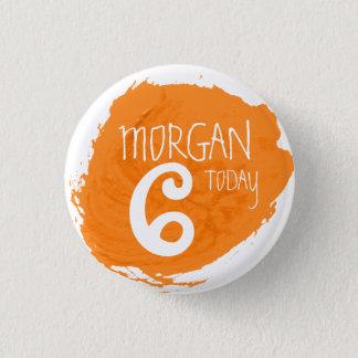 芸術のパーティーのペンキの軽打のオレンジ一流の年齢ボタン 3.2CM 丸型バッジ