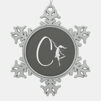 芸術の妖精のイニシャル: C スノーフレークピューターオーナメント