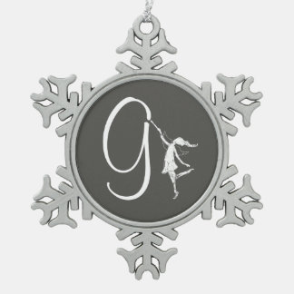 芸術の妖精のイニシャル: G スノーフレークピューターオーナメント