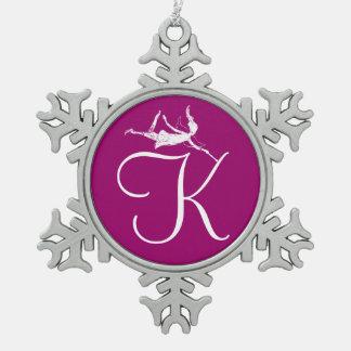 芸術の妖精のイニシャル: K スノーフレークピューターオーナメント