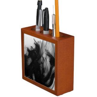 芸術家によるC.L.ブラウン黒い火IVの机のオルガナイザー ペンスタンド