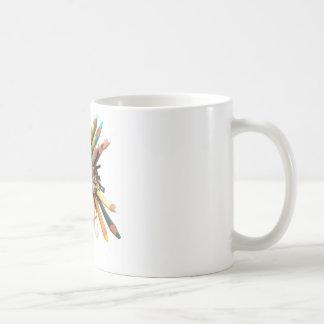 芸術家は油の鉛筆を着色しました コーヒーマグカップ