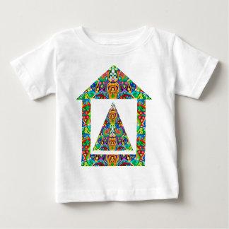 芸術的なピラミッドの家 ベビーTシャツ