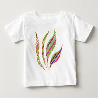芸術的な火の炎は精神的なエネルギー流れることを保ちます ベビーTシャツ