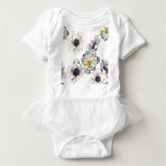 芸術的な花の花のシャクヤクのアネモネの新しい春 ベビーボディスーツ