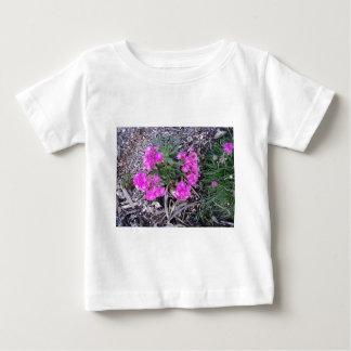 芽 ベビーTシャツ