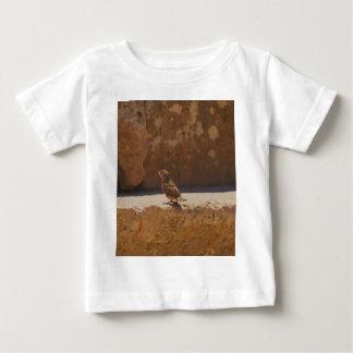 若いすずめ ベビーTシャツ