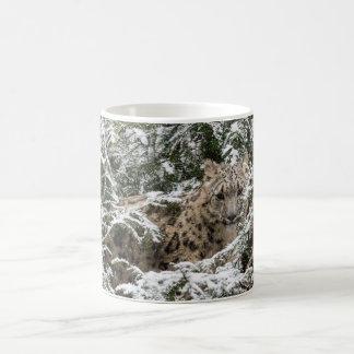 若いユキヒョウ コーヒーマグカップ