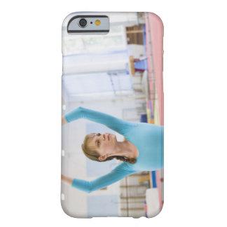 若い体育専門家の提起 BARELY THERE iPhone 6 ケース