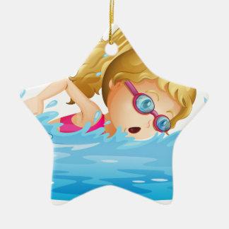 若い女の子の水泳 セラミックオーナメント