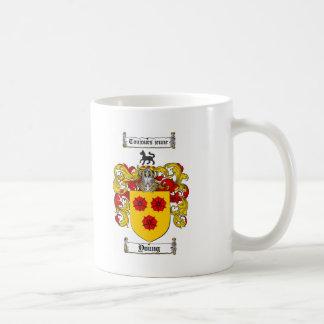 /若い家紋若い紋章付き外衣 コーヒーマグカップ