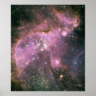 若い星は強力な流出のガスを彫刻します ポスター
